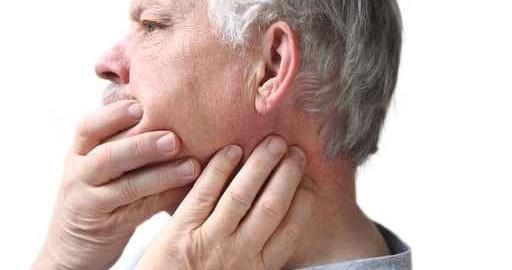 Kiefer- und Nackenschmerzen gehen bei CMD oft Hand in Hand